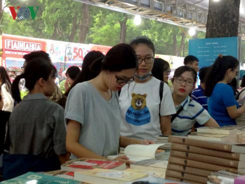 Triển lãm – Hội chợ Sách quốc tế Việt Nam lần thứ VI