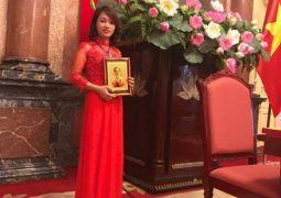 Câu chuyện khởi nghiệp thành công của cô gái trẻ – người gây dựng thương hiệu Hồng Âm Tiêu Viêm