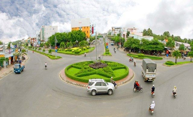 Công ty CP Công trình Công cộng Vĩnh Long: Giữ cho môi trường thành phố luôn Xanh – Sạch – Đẹp