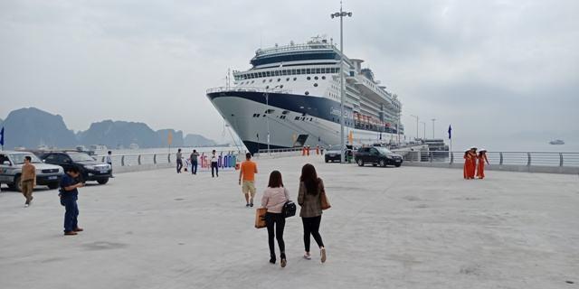 Việt Nam đón vị khách quốc tế thứ 15 triệu