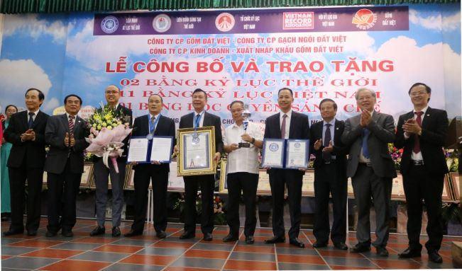 Sản phẩm gốm Đất Việt lập 2 kỷ lục thế giới