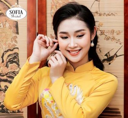 Áo dài SOFIA BRIDAL tôn vinh vẻ đẹp rạng ngời nữ doanh nhân Việt Nam