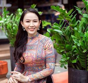 Tiến sĩ Nguyễn Thị Quốc Minh – Cô giáo trẻ sống với lòng biết ơn và tự hào dân tộc
