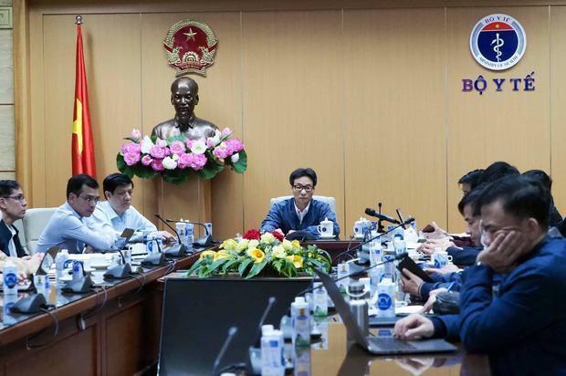 Dịch Covid-19 ngày 30/1: 5.000 người ở Hà Nội phải xét nghiệm khẩn cấp; Phong tỏa một khách sạn và quán ăn ở TP.HCM sau ca nhiễm mới