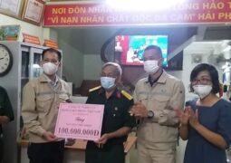 Trung tâm Văn hóa Doanh nhân phối hợp với Bệnh viện Phụ sản Hải Phòng, Công ty TNHH Công nghiệp Doosan Hải Phòng Việt Nam kêu gọi được 135 triệu đồng giúp đỡ nạn nhân chất độc da cam/dioxin trên thành phố Hải phòng