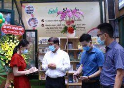 Sbooks phối hợp Hội xuất bản Việt Nam và Đường Sách thành phố Hồ Chính Minh Khai trương khu trưng bày tủ sách gia đình và danh mục sách cho học sinh